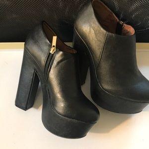 DollHouse platform booties; Size 7.5; Black